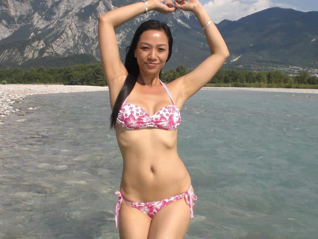 ZOEZOE - sexy Asiatin